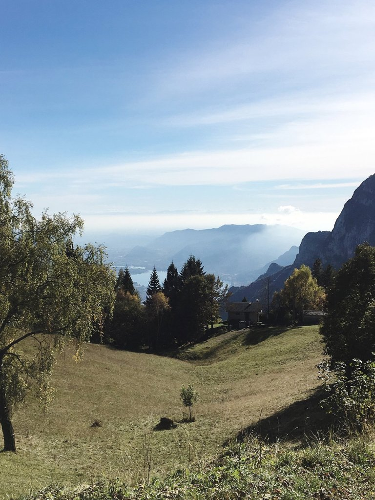 scandinavian_feeling_in_italy_hiking_view_nature_mountains