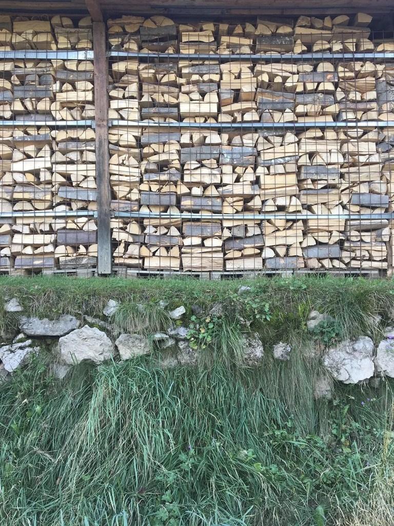 scandinavian_feeling_in_italy_hiking_wood