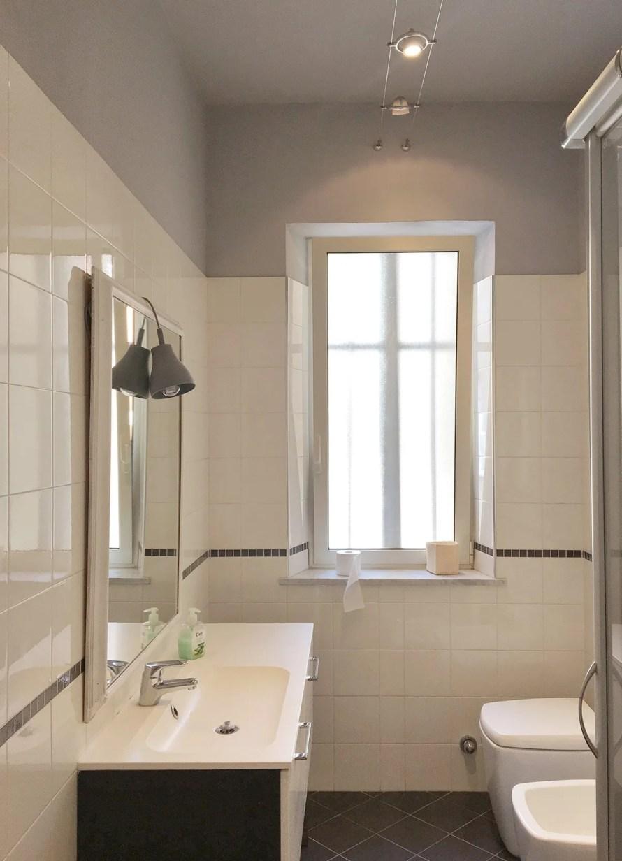 airbnb torino italy interior bathroom