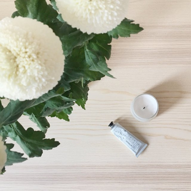 scandinavian feeling arket handcream table