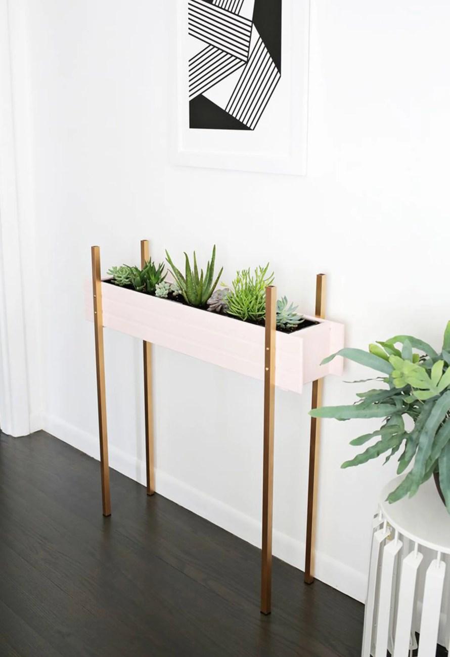 DIY planter stand scandinavian