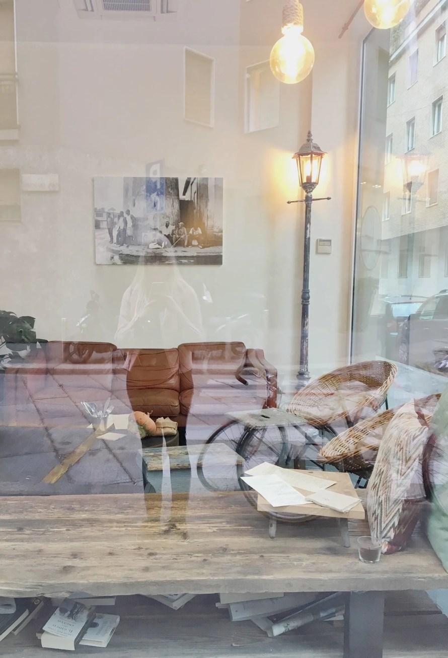 hygge milano cafe cozy scandinavian reflection