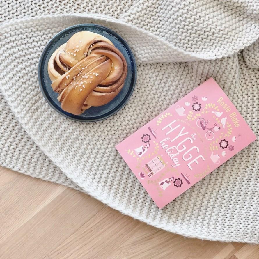 hygge weekend book cozy cinnamonbun