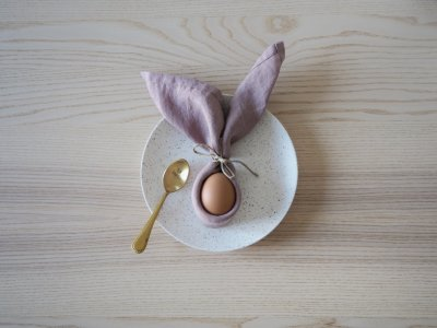 Easter DIY inspiration egg napkin bunny breakfast