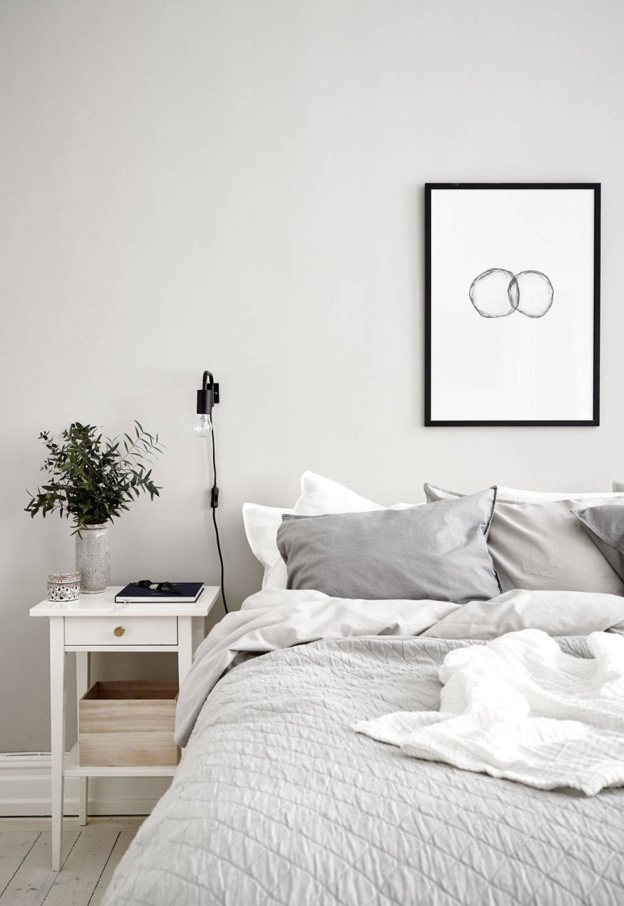 Airy pale grey apartment 13
