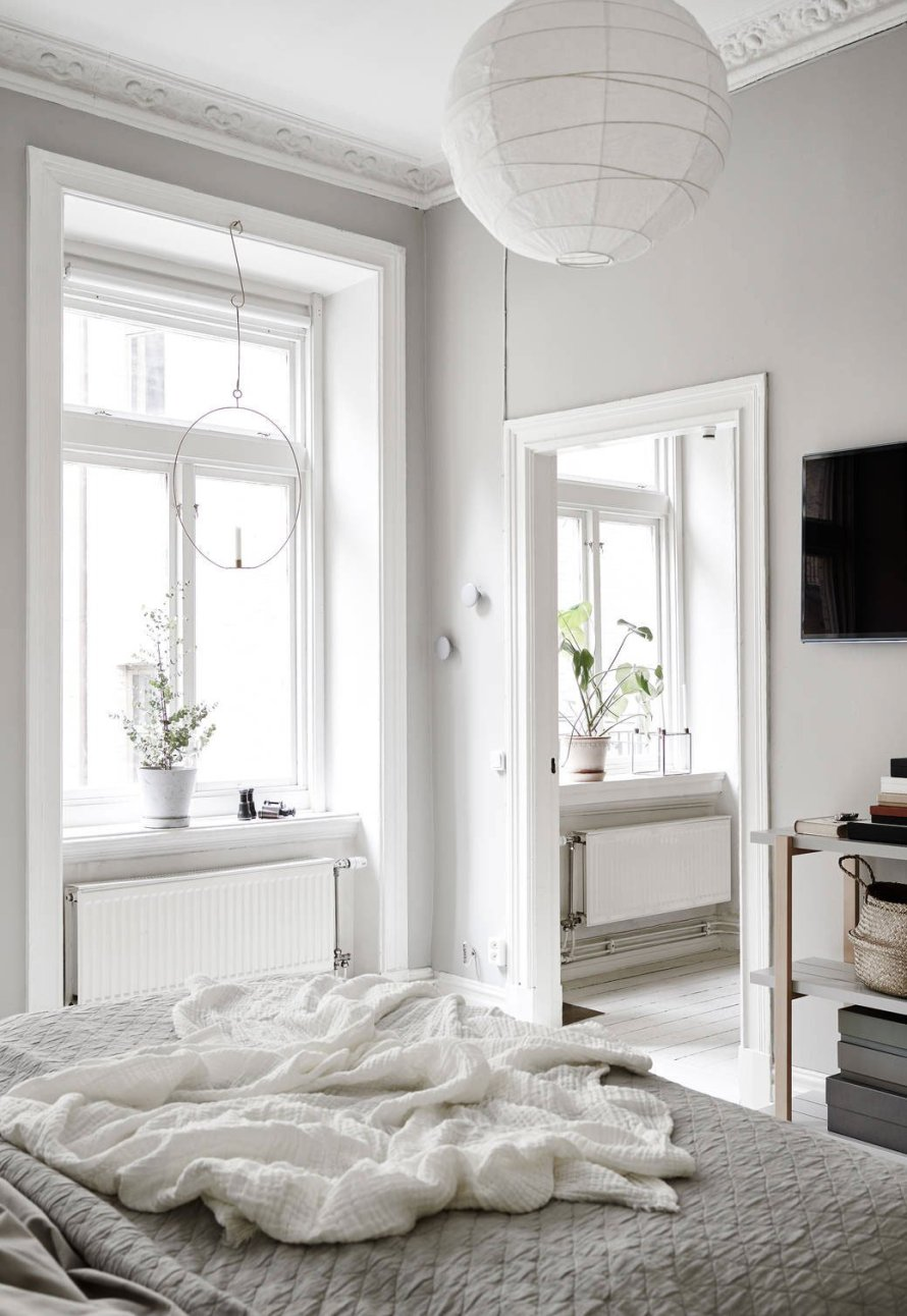 Airy pale grey apartment 17