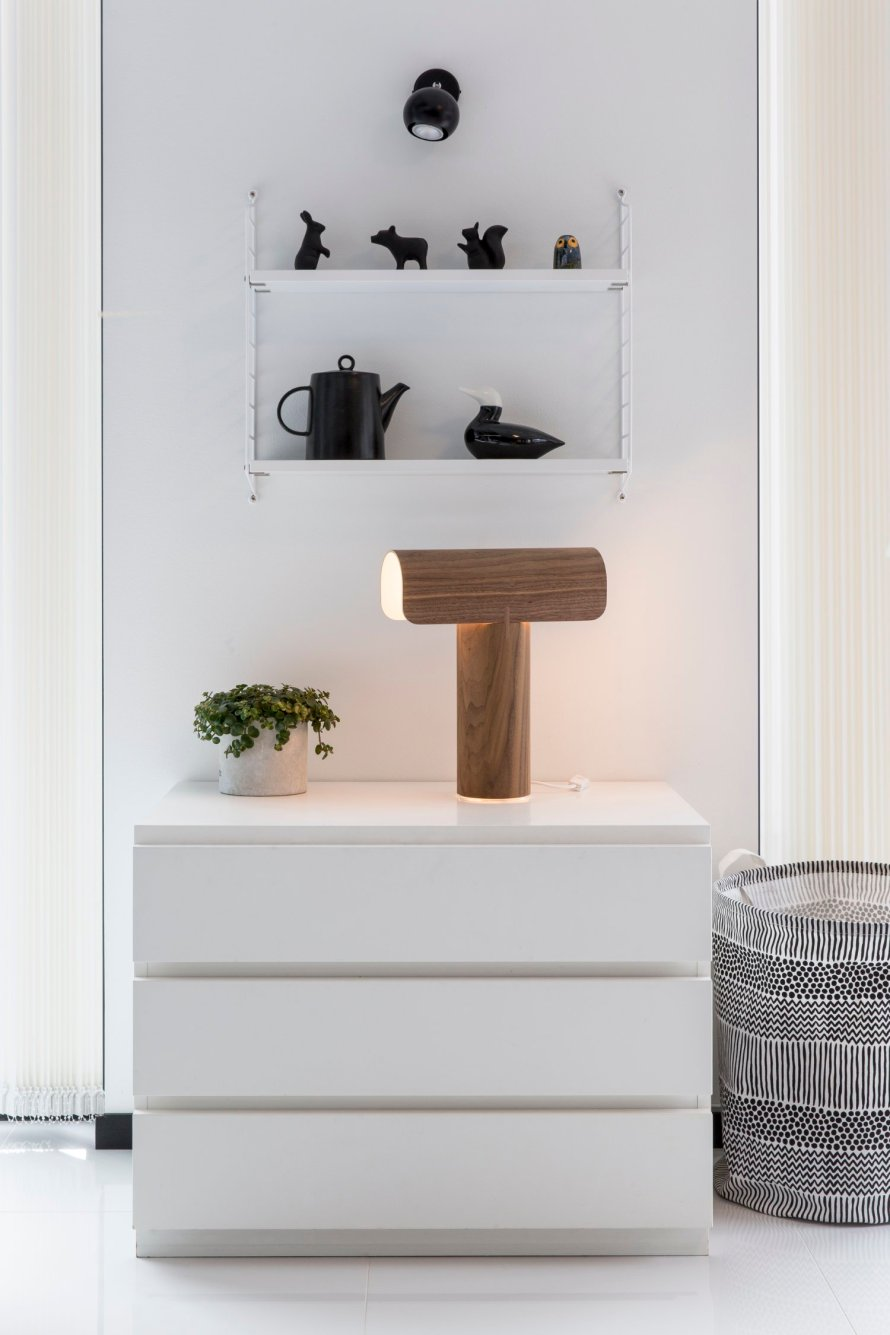 scandinavian feeling table lamp teelo secto