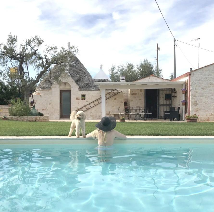 scandinavian-feeling-trullo-puglia-italy-pool