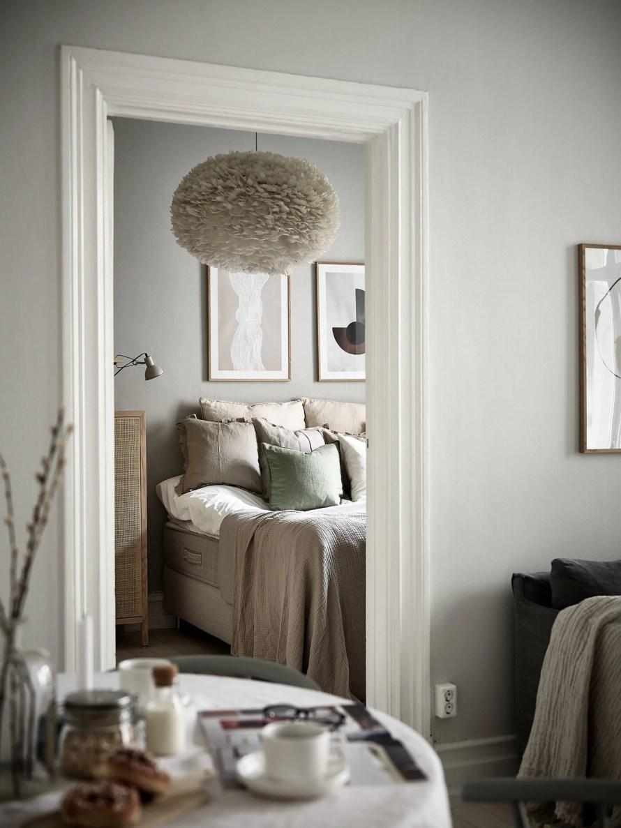 scandinavian-feeling-cozy-bedroom-beige-2