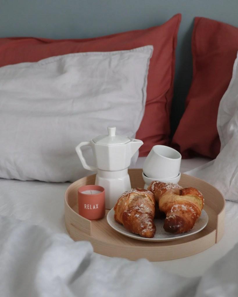 scandinavian feeling valentines breakfast bed