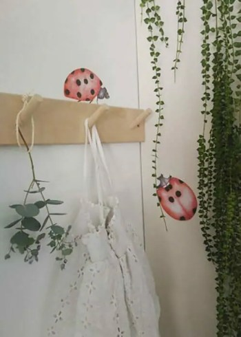 Ladybug Marie and Oscar - Ambient - Wall stories from ThatsMine