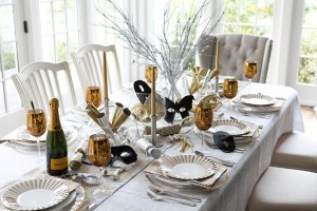 beautiful-and-sparkling-new-year-table-setting-46