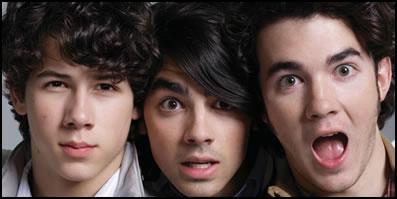 Jonas Brothers vs. Hillsong United on ThatSongSoundsLike.com