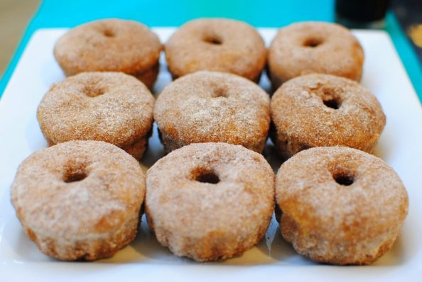 Baked cinnamon donuts
