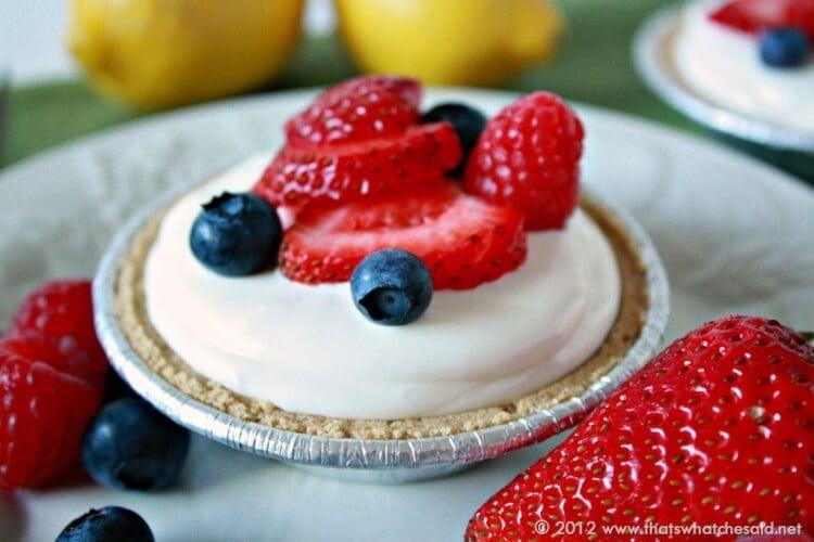 Frozen-Lemonade-Mini-Pie