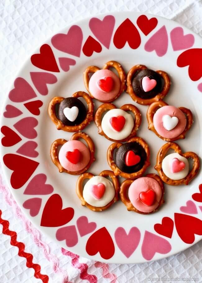 Valentine Pretzel Bites at thatswhatchesaid.com