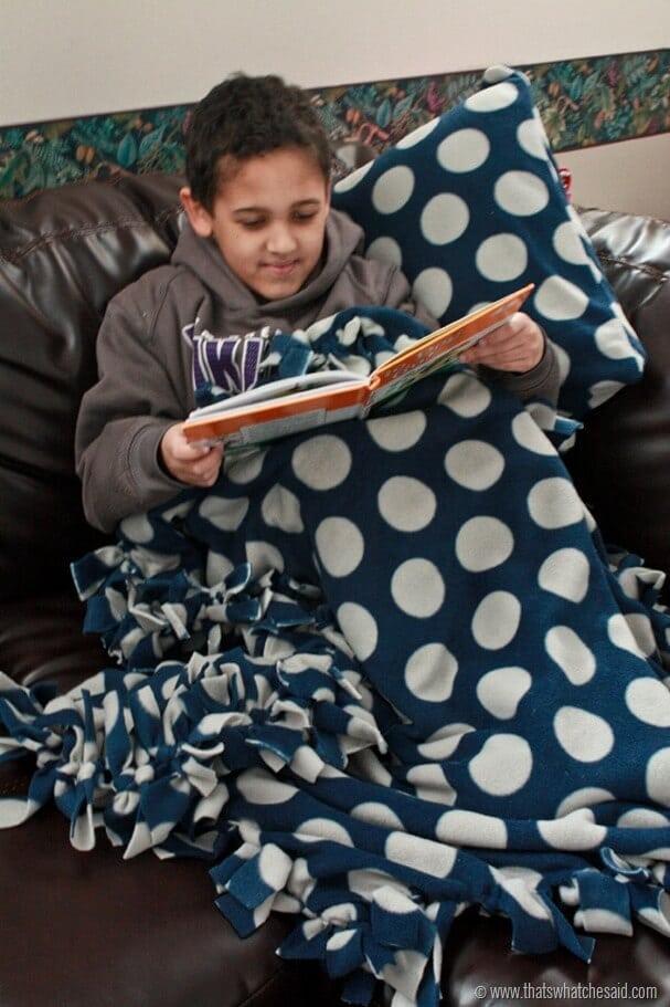 Cozy Fleece Blanket 3