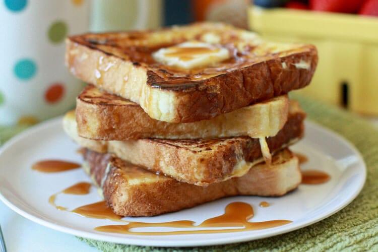 Caramel-Macchiato-French-Toast-Recipe-at-thatswhatchesaid.com