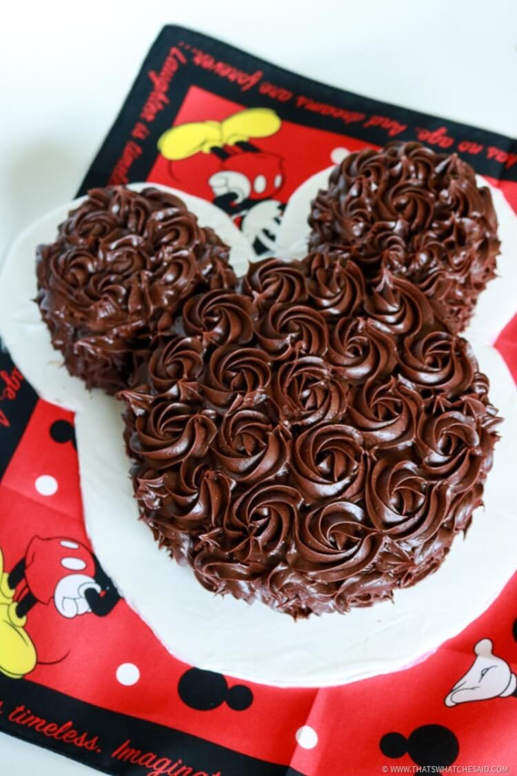 How to make an elegant Mickey Mouse Cake