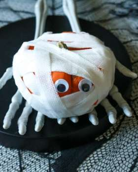 Halloween-Kids-Activity-Mummy-Pumpkin.jpg