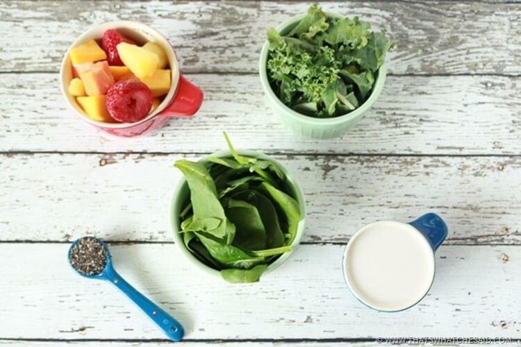 Ingredients for Green Smoothie Bowl with Chia Seeds