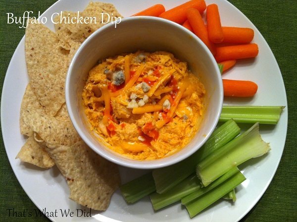 Buffalo chicken dip with sauce