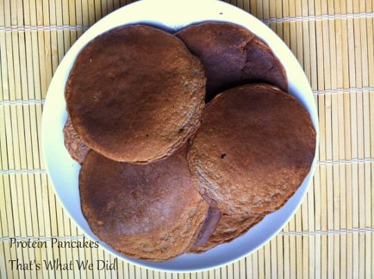 protein pancakes plate