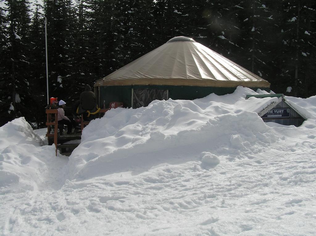 yurt in snow by laurel fan via flickr