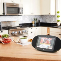 Kitchen Speakers White Knobs For Cabinets Google Assistant Smart Displays Your Need To Know On The Touchscreen