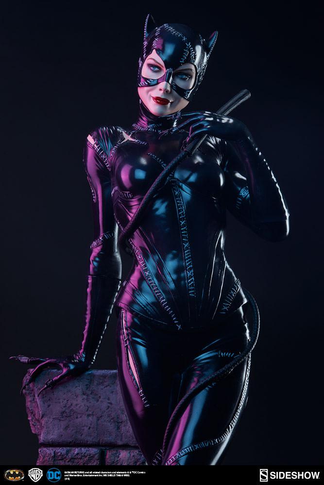 dc-comics-catwoman-premium-format-300270-02 | The Arcade