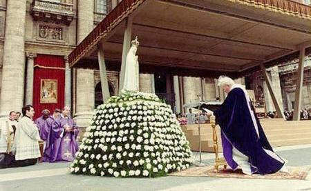 John Paul II Bowing to Mary