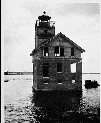 Cedar Point Lighthouse prior to its destruction.