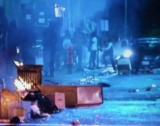 Baltimore riots on Monday April 27 2015