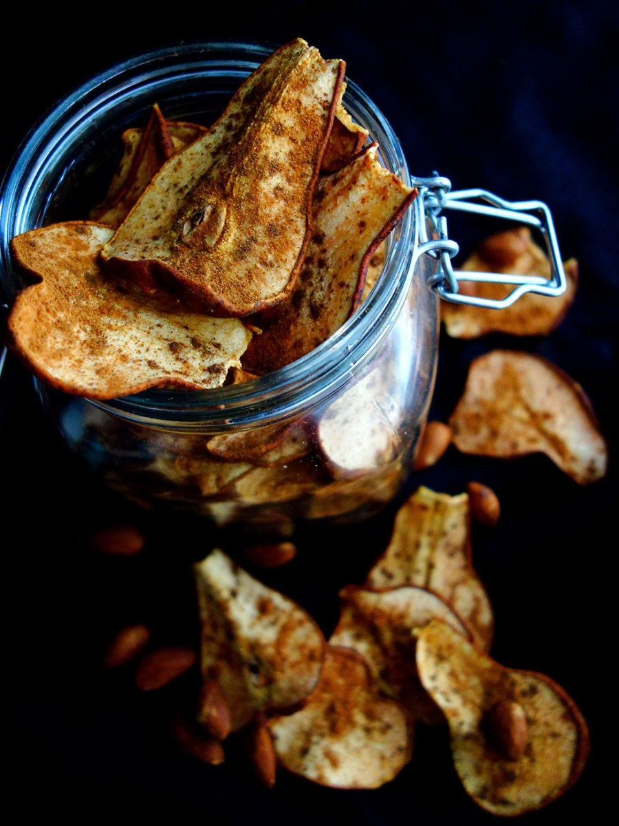 3pm Healthy Sweet Snack Attack! Dehydrated Cinnamon Spiced Pear Crisps