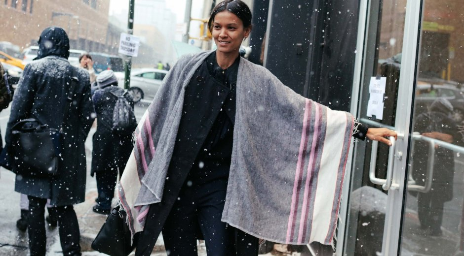 cute winter cape, Winter Capes, How to wear a winter cape, Black-Owned Businesses, Buy Black, Black Businesses, Small Business Saturday, Cyber Monday, Black Friday, The Best Natural Hair Products, Natural Hair Care, Black Blogs, Shopping Blogs, Shopping Guide, Black Bloggers, Fashion Blogs, Black Women Blogs, Black Women Magazines