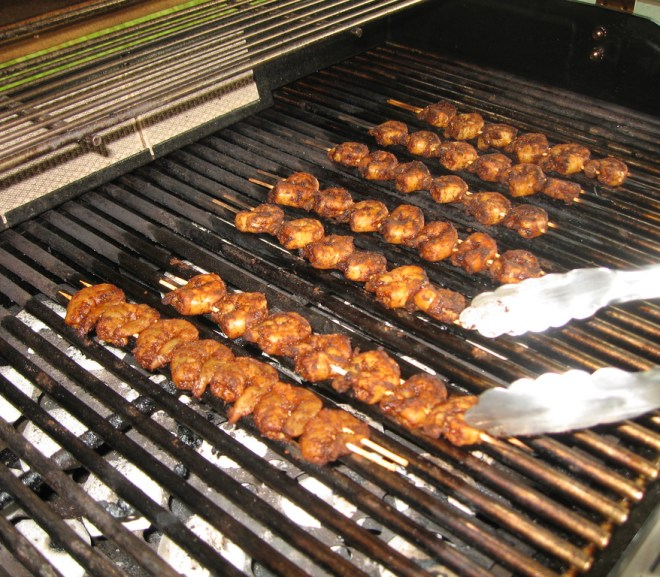 how to easily clean your bbq grill