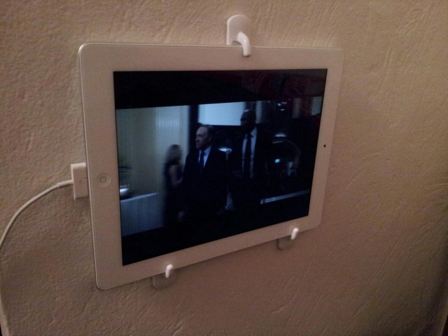 Use towel hooks to make an tablet stand