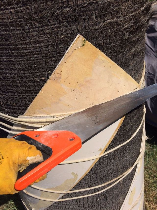 use a wood saw to cut the corners off of the blades