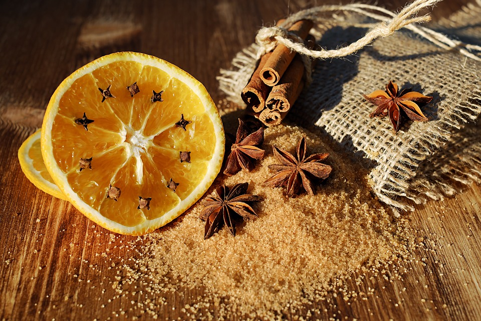 5 DIY Ways To Remove Kitchen Smells | The DIY Life