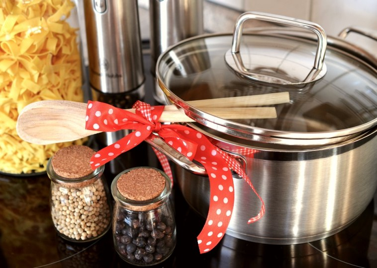 DIY Aromatherapy To Remove Kitchen Smells