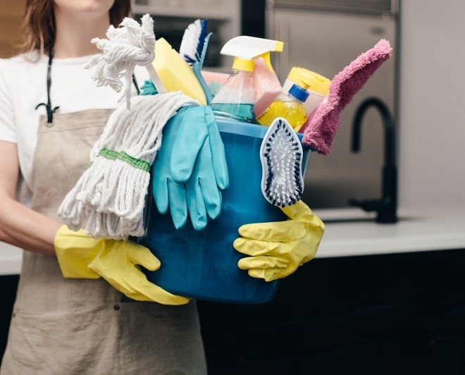 Super Effective DIY Home Cleaning Tips That Professional Cleaners Use