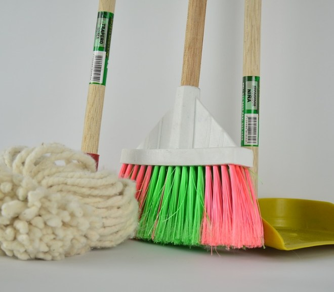 10 Amazingly Easy Cleaning Hacks To Try This Holiday Season