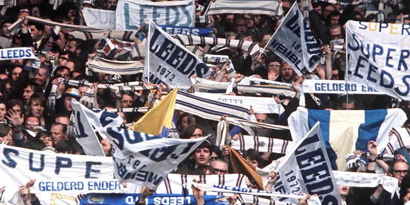 Leeds United - das mit den Fahnen...
