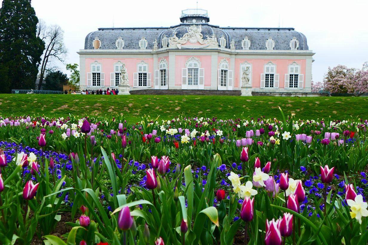 Benrather Schloss im Frühling (Foto: A. Otto)