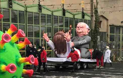 Jaques Tilly und seine Mottowagen - Guerilla-Rosenmontagszug 2021 (Foto: Buck)