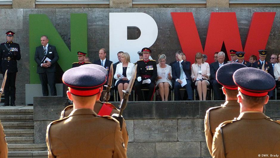 Die Briten in Düsseldorf ... zum 75. NRW-Geburtstag (Foto: DW/Brady)