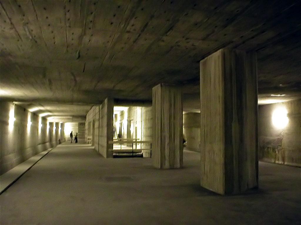 Ungenutzter Tunnel einer Unterpflasterbahn (Symbolfoto via Wikimedia - Bildnachweis: siehe unten)