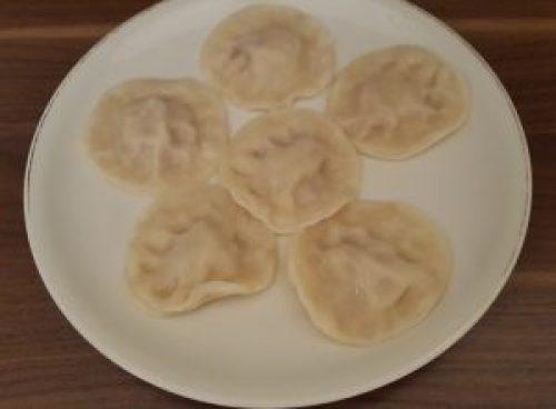So sehen die fertigen veganen Teigtaschen nach dem Kochen aus - schmecken auch jetzt pur und ohne Soße gut