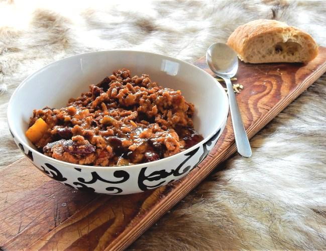Feuriges Chili Sin Carne ganz einfach mit Brot