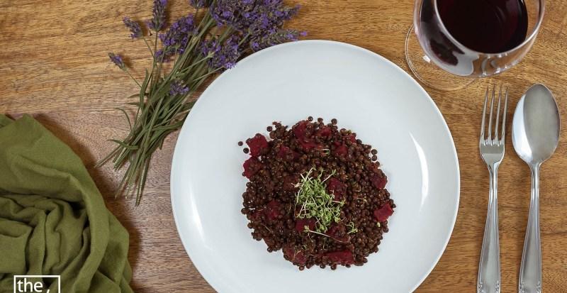 Salat aus Belugalinsen mit roter Beete und Kresse - vegan, gesund und super lecker